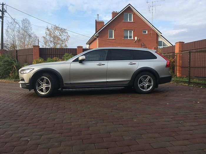 Slik L-824 на VOLVO V90 Cross Country